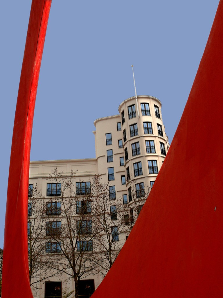 Roter Ring mit Charles Hotel