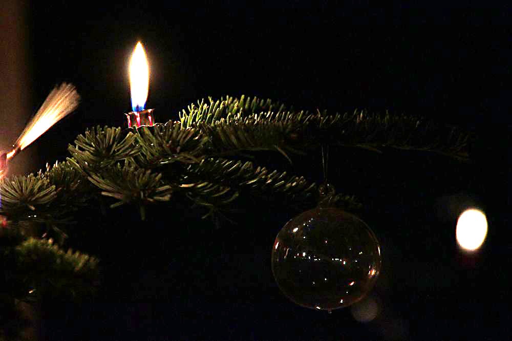 Kerze auf Weihnachtsbaum